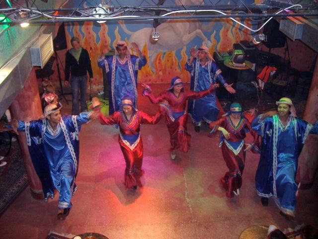 エジプトの民俗舞踊団